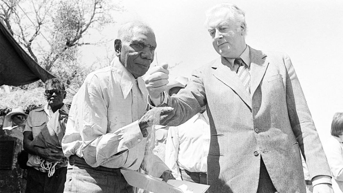 photo of Vincent Lingiari and Prime Minister Gough Whitlam